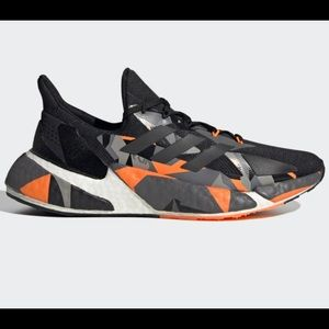 NWOB Adidas Black and Orange Sneaker Sz10 X9000L4